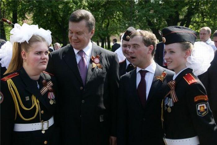 Медведев и девочка